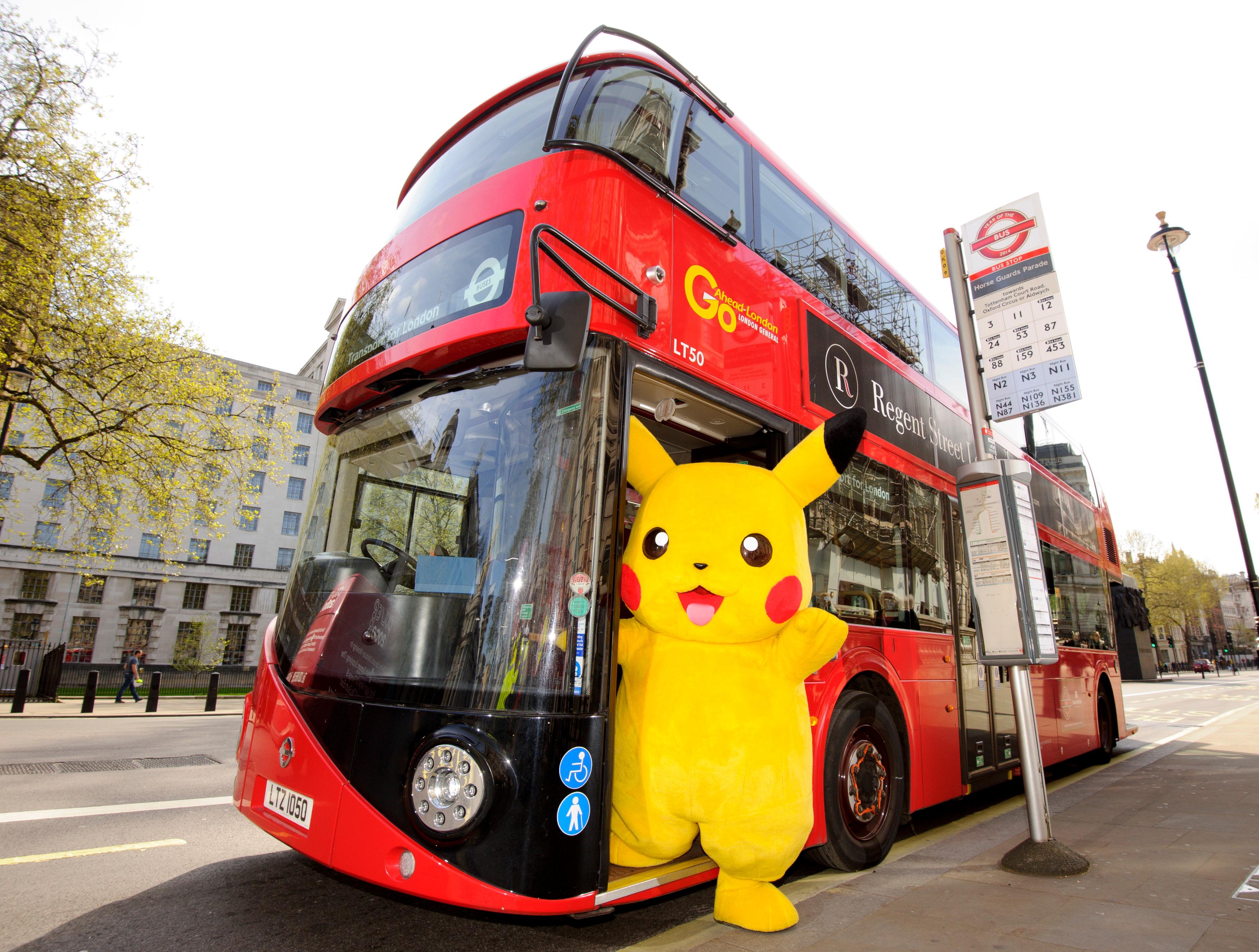 Рождеством, картинка прикольного автобуса
